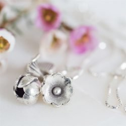 Silver Flowers Necklace